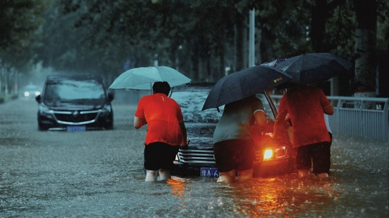 温暖救援筑防护 平安产险河南分公司积极应对暴雨灾害